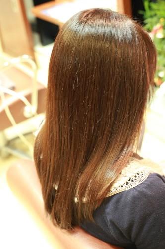 新宿区 上落合 中井駅 美容院 美容室 デュース  ツヤ髪 クリニックカット ハサミ トリートメント    髪 傷み 美髪 ツヤ髪 ツヤツヤ エアーウェーブ 柔らか カール 大きめ 傷まない 縮毛矯正 自然なストレート ツヤのある髪